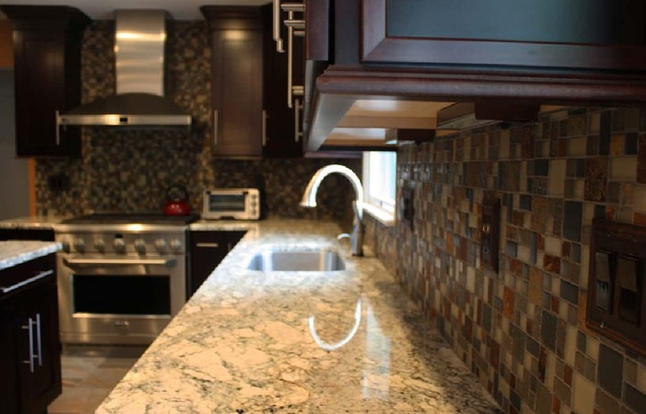 The Kitchen Countertop Discussion: Granite vs. Quartz