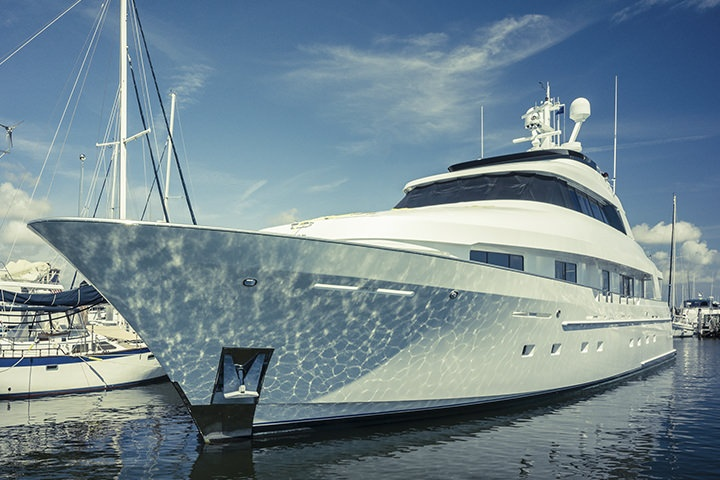 5 Reasons Every Boat Owner needs Window Tinting