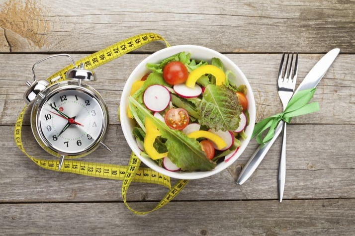 Intermittent Fasting: Stronger Leaner and More Energized by Eating Less