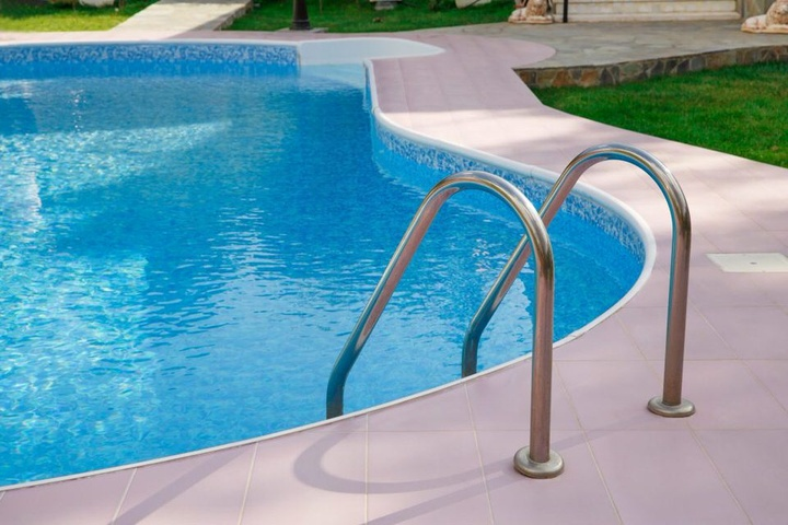 5 Questions Every Homeowner Should Ask BEFORE Hiring a Pool Company