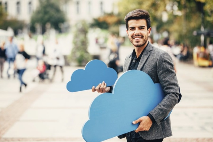 Five reasons why customers choose (Cloud VoIP) Are they right?