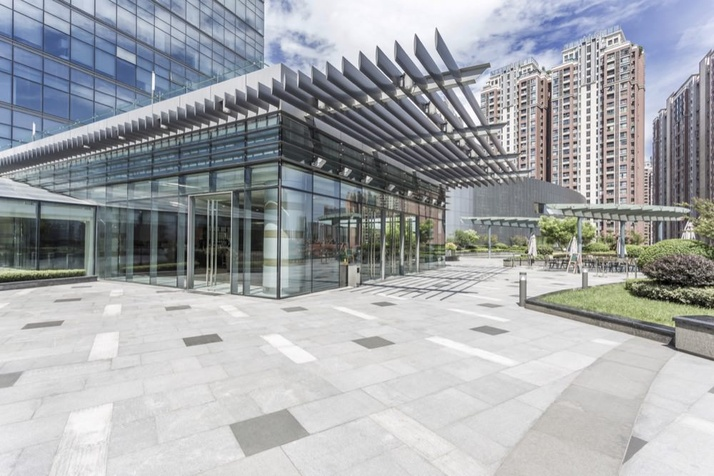 6 Ways that Window Tinting is Great for Office Buildings